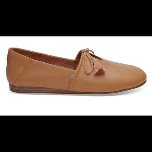 TOMS Honey Leather Women's Kelli Flats